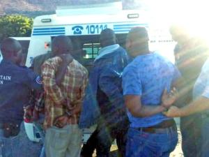 Five suspected members of a crowbar gang were arrested by the mountain men in Zandvlei.